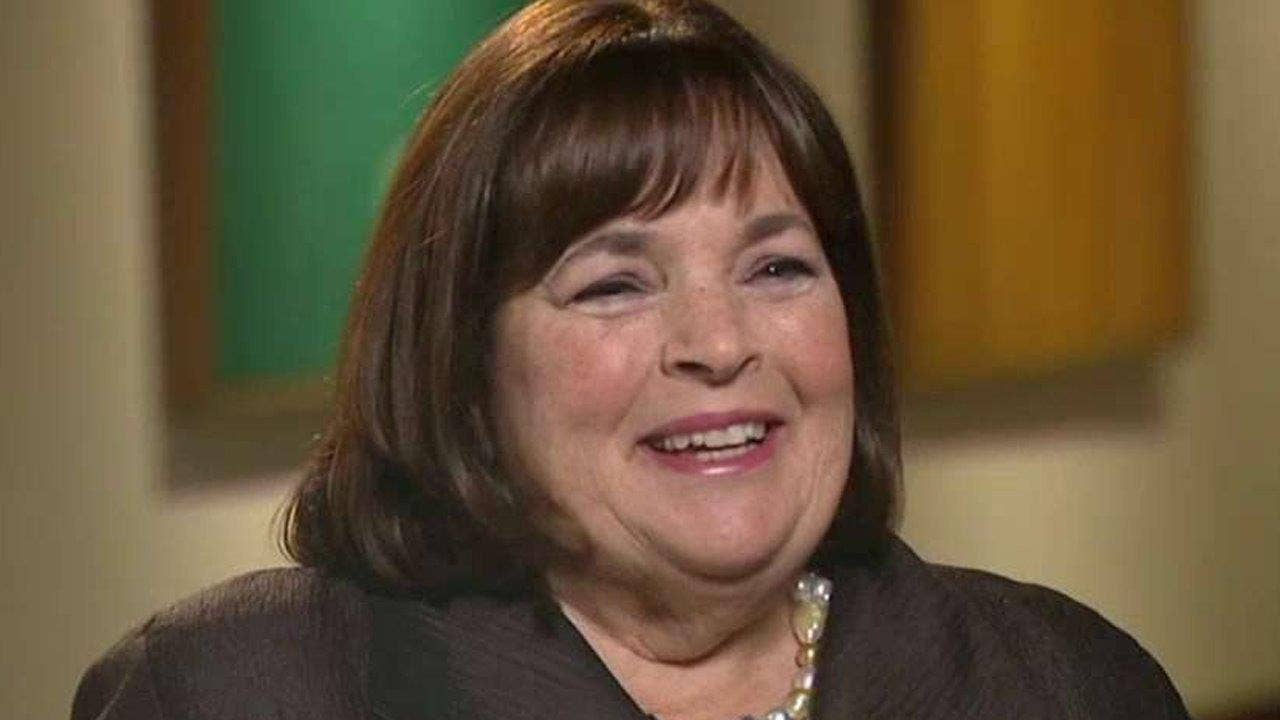 Ina Garten says this might be her 'favorite pizza ever,' but the Internet is divided