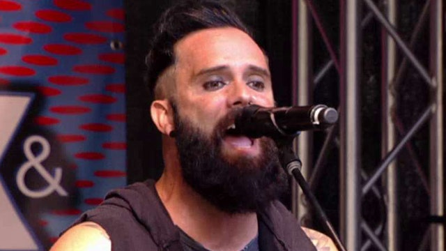 Skillet performs 'Feel Invincible'