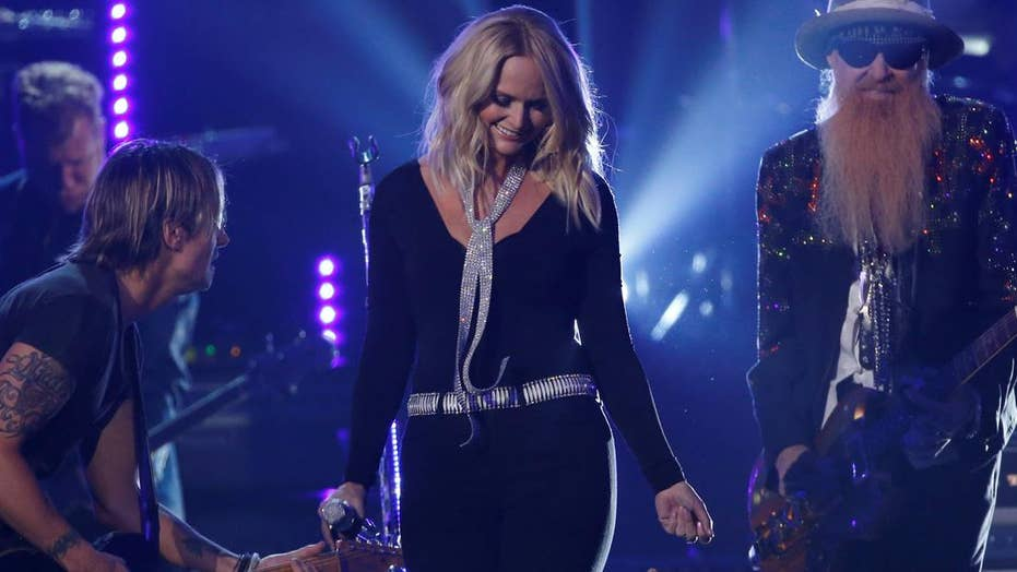 Miranda Lambert engaged!
