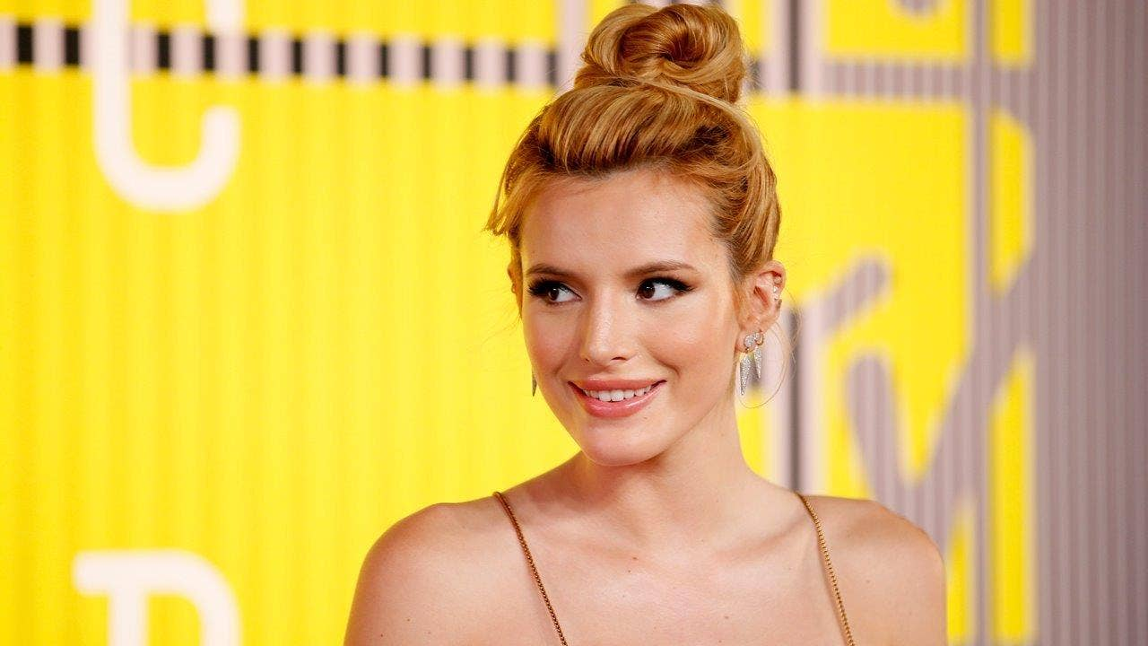 Bella Thorne poses nude 'with no retouching'