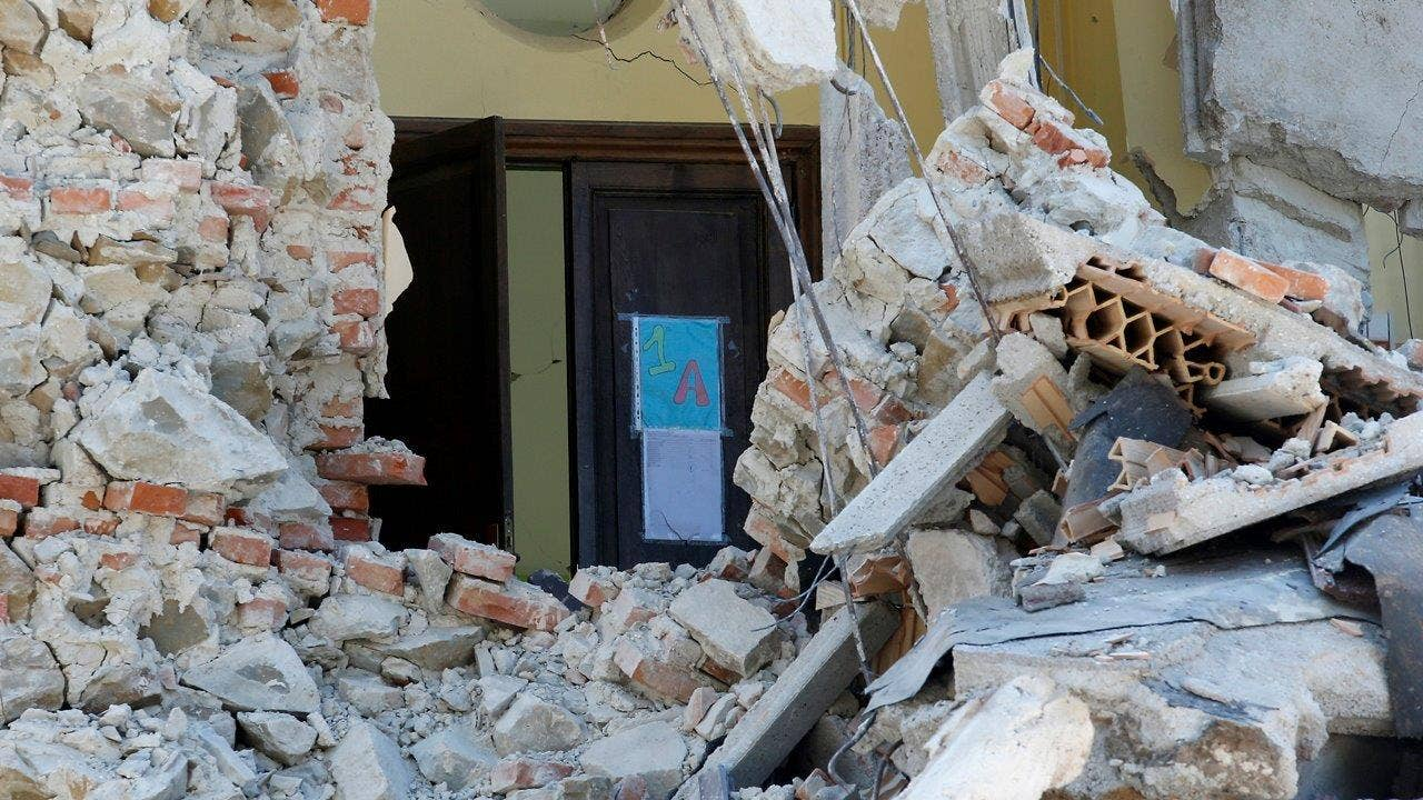 Italy aftershocks limi...