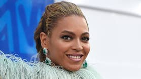 Fox411: Beyonce wowed at the VMAs while Britney Spears failed to impress