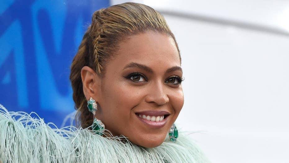 Beyonce shines at VMAs