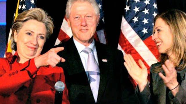 Growing pressure on Clinton to detach self from foundation