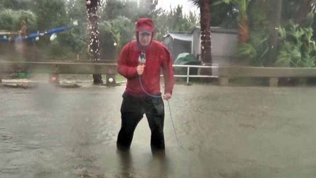 Hermine strengthens to Category 1 hurricane