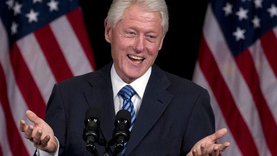 Bill Clinton accused of using tax dollars on private server