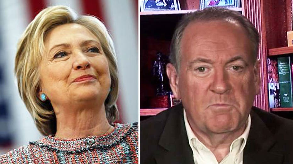 Huckabee: How can union members trust Hillary Clinton?