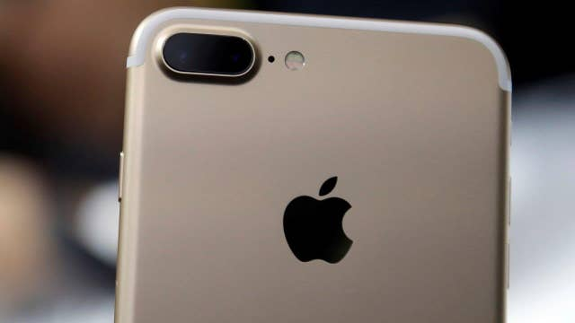 iPhone 7, new Apple watch unveiled