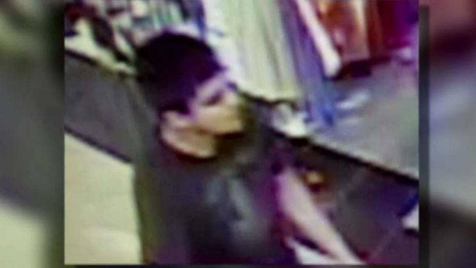 Mall shooting suspect was 'zombie-like' when arrested, officials say