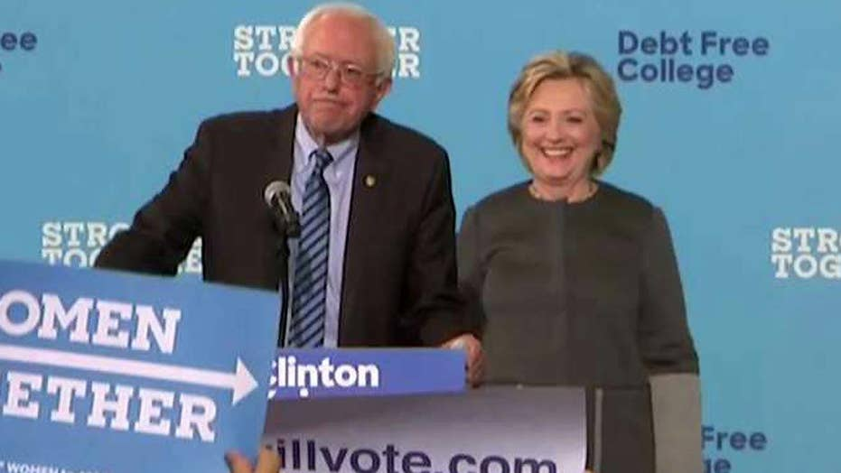 Bernie Sanders campaigns with Clinton in New Hampshire