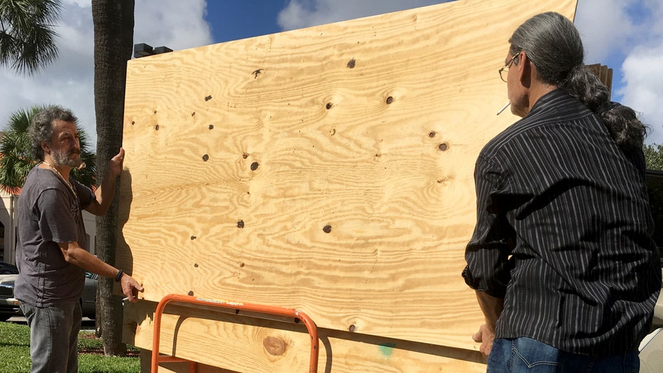 Florida residents bracing for Hurricane Matthew