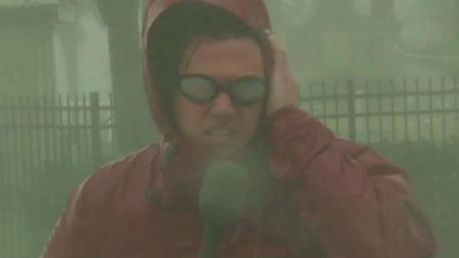 Hurricane Matthew hammers eastern Florida