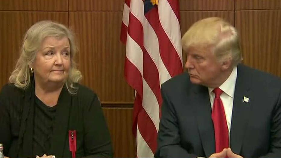 Donald Trump appears with Bill Clinton accusers