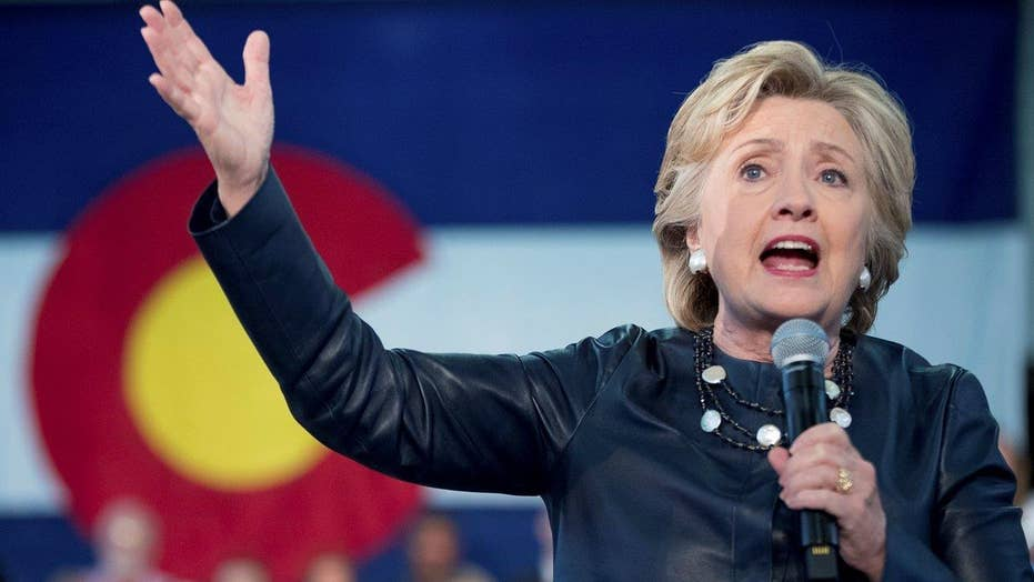 Clinton aide mocks Catholics, evangelicals in leaked email