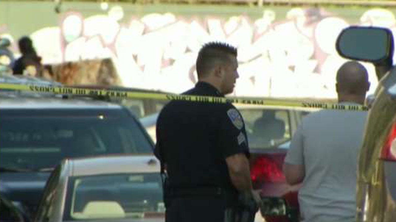 Authorities search for 4 suspects after 4 shot outside San Francisco high schools