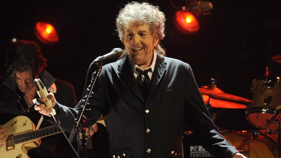Bob Dylan called 'arrogant' by Nobel Prize committee
