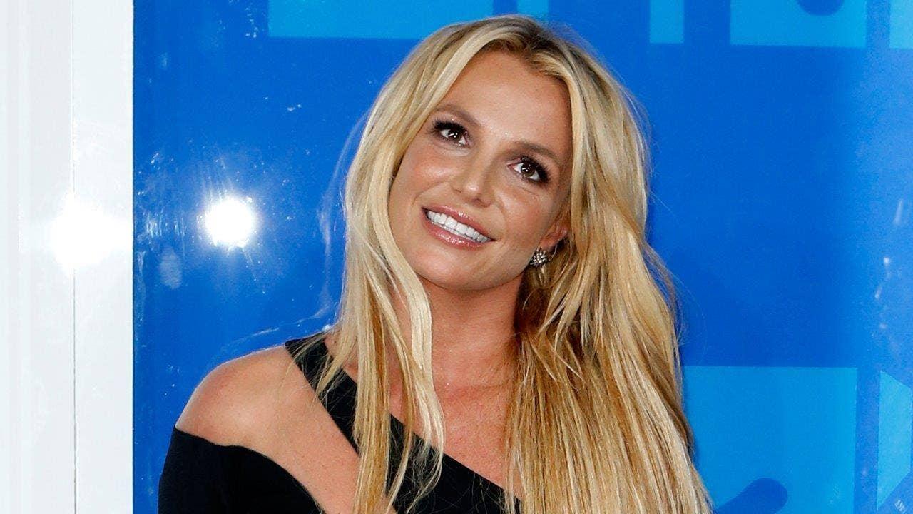 http://a57.foxnews.com/media2.foxnews.com/BrightCove/694940094001/2016/10/24/0/0/694940094001_5182881334001_Britney-Spears-pops-top-in-concert.jpg?ve=1