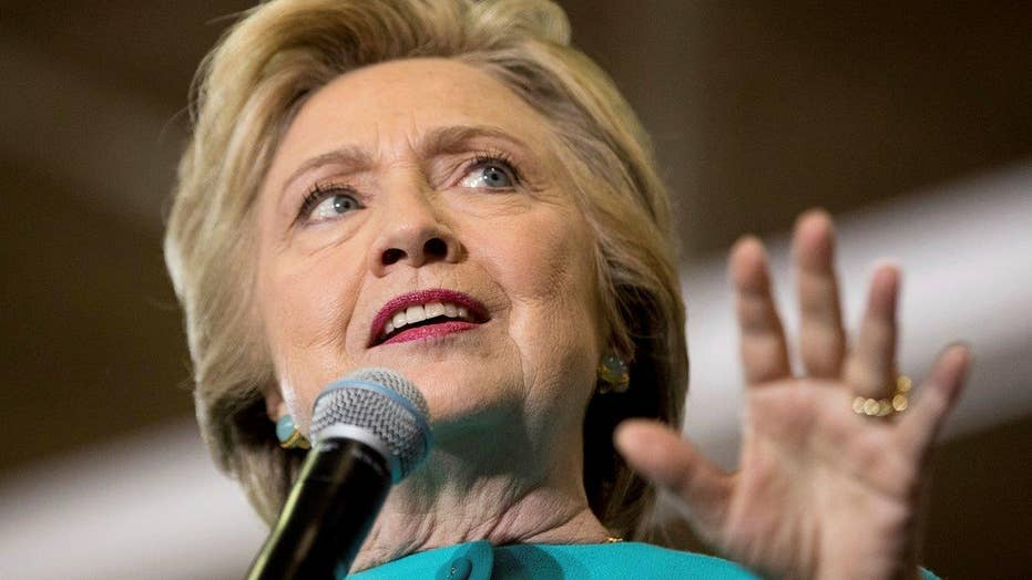 Clinton aides expressed shock as email scandal broke in 2015