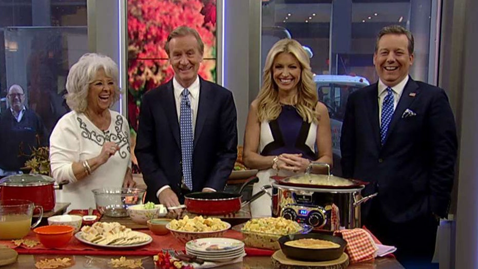 Paula Deen puts a Southern spin on Thanksgiving stuffing