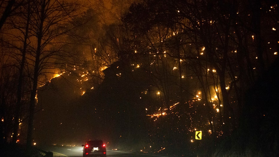 Wildfires in Tennessee force families, tourists to evacuate