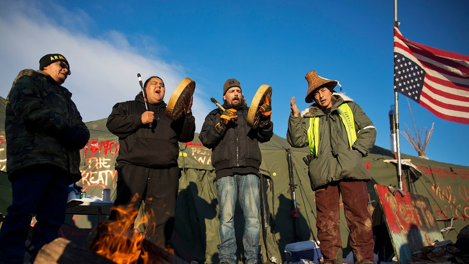 Feds agree to halt Dakota Access oil pipeline