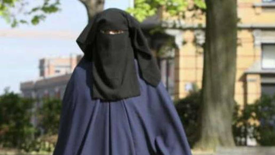 German Chancellor Angela Merkel calls for burqa ban