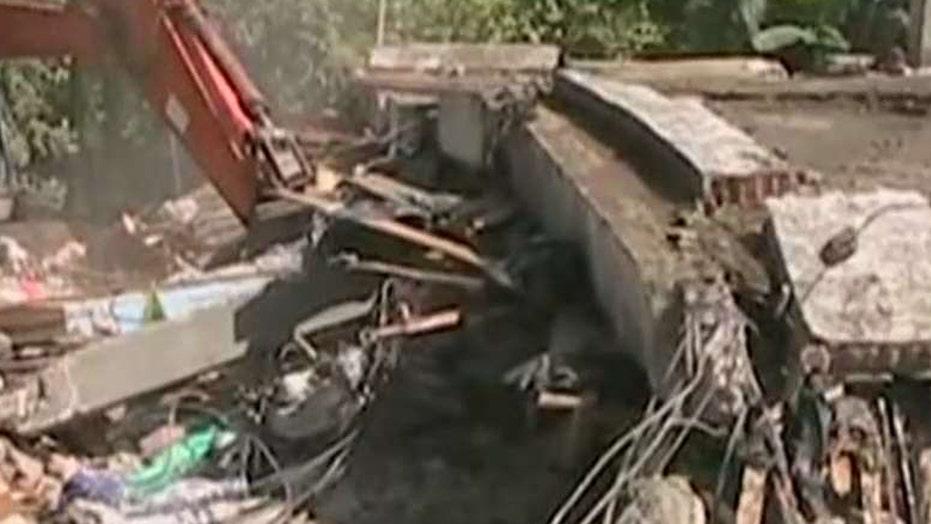 Deadly earthquake rocks Indonesia