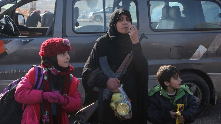 Report: Evacuations from Aleppo have resumed