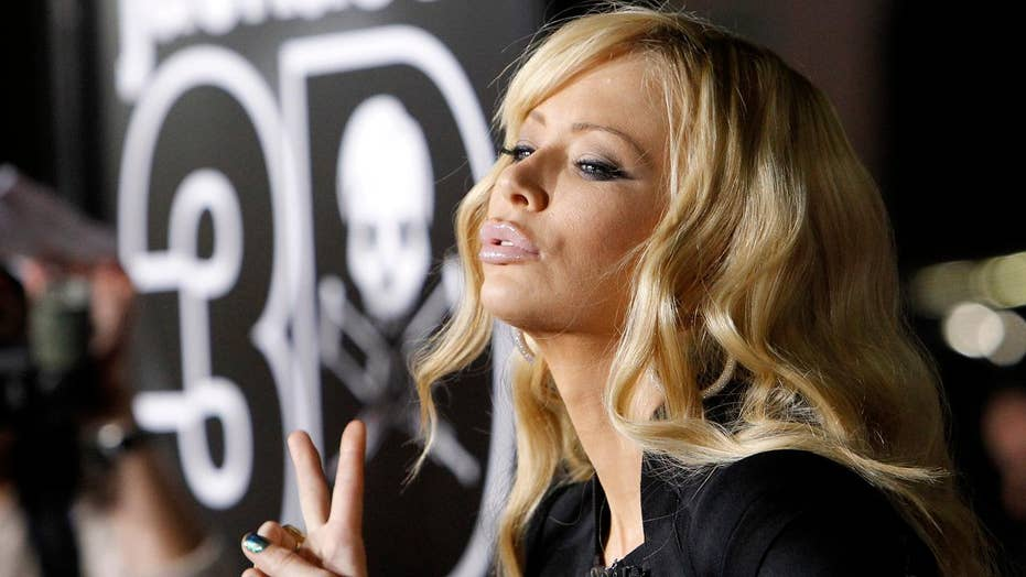 Jenna Jameson in Twitter feud with KKK