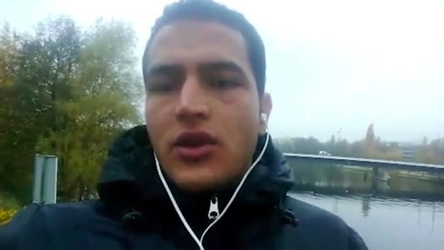 Security camera catches Berlin attacker boarding train