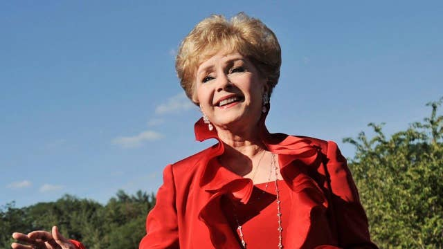 Hollywood royalty: Fans, stars remember Debbie Reynolds