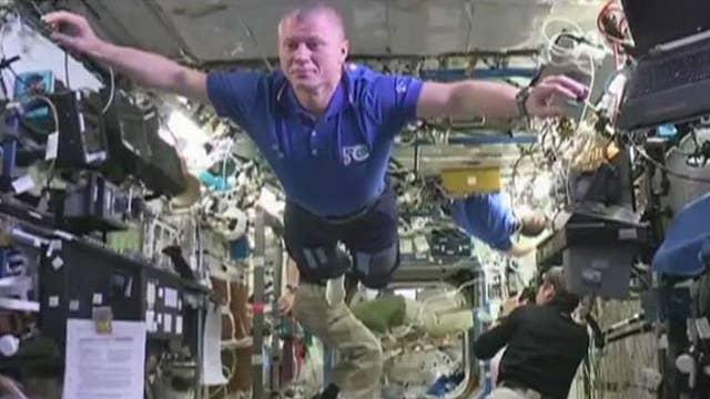 European astronauts take on the mannequin challenge
