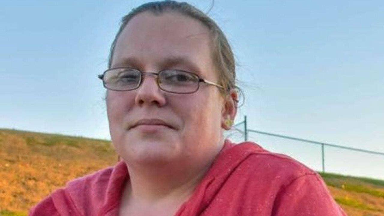 waffle house waitress loses job after firing gun during robbery waffle house waitress loses job after firing gun during robbery fox news
