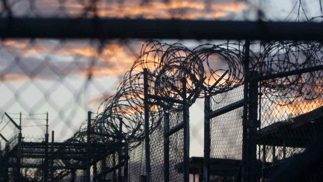 White House, Trump clash over Gitmo detainees
