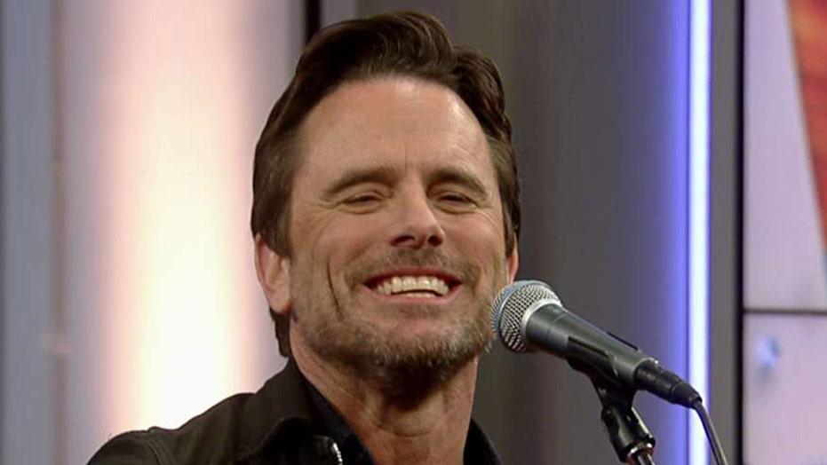'Nashville' star Charles Esten performs 'Simple as That'