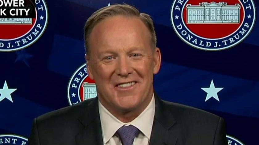Spicer: 'Rude, inappropriate' CNN reporter owes Trump an apology
