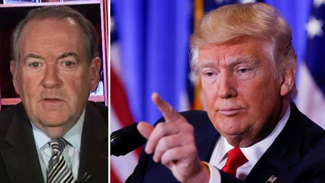 Huckabee: Intel community needs to show respect for Trump