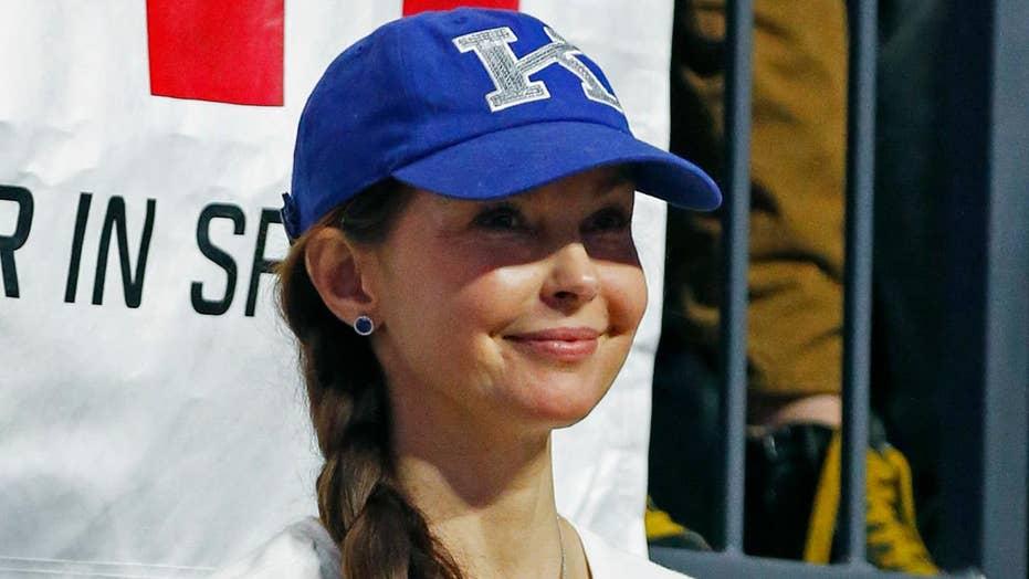 Ashley Judd blasts 'whiteness' of emojis