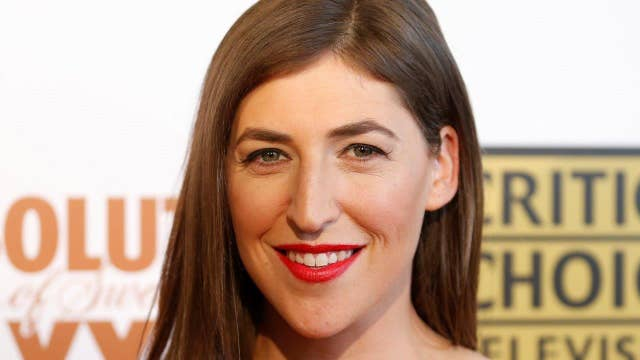 Mayim Bialik makes Trump inauguration oath