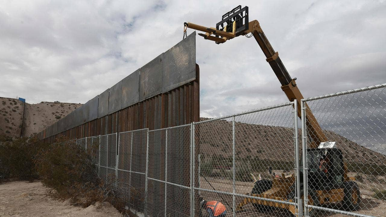 Dc5m United States Political In English Created At 2017 01 25 1211 Tcash Kartini Steam Wallet Sea 12 President Trump Today Is Expected To Order The Construction Of His Long Promised Wall Along U S Mexican Border And Take Other Actions On Immigration