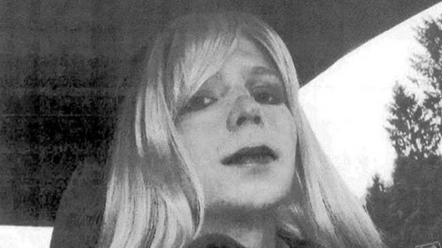 Trump defends Obama against Manning's op-ed 'attack'