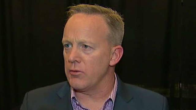 Sean Spicer reacts to 'SNL' skit, 'paid' protesters