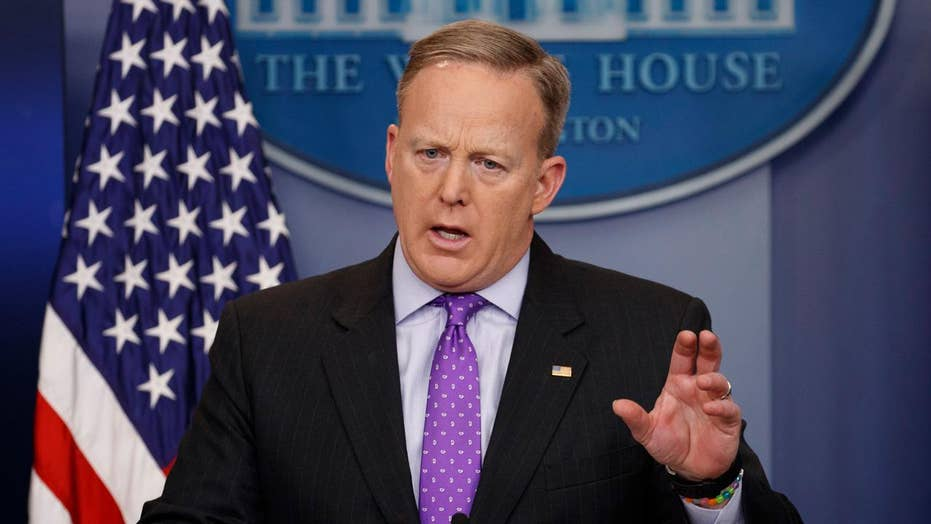 Spicer: Trump feels confident in merits of travel ban