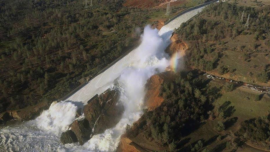 Nearly 200,000 evacuated near crumbling California dam