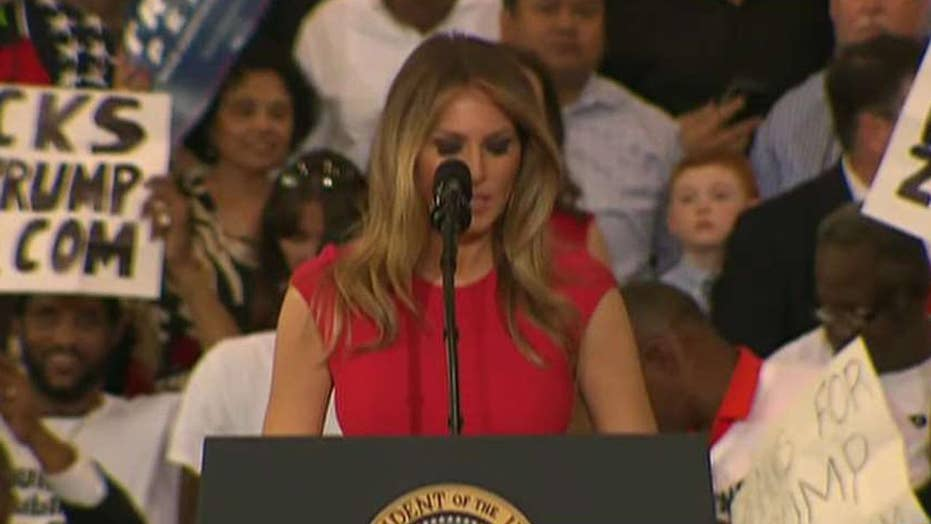 First Lady leads Florida rally in prayer