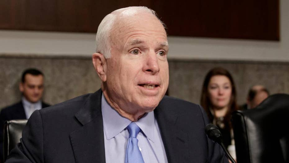 Sen. McCain defends the press after Trump attacks media