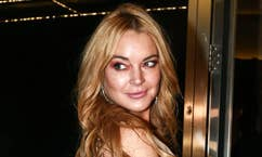 Fox411: Lindsay Lohan claims she was 'racially profiled' for wearing headscarf at airport