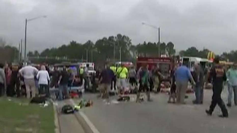 Vehicle plows into crowd at Mardi Gras parade in Alabama