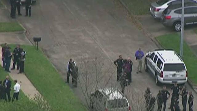 Manhunt intensifies for second gunman in cop shooting