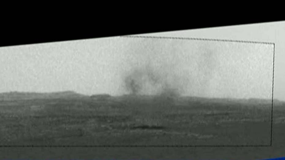 Dust devil spotted whirling across Mars' surface
